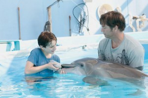 Dolphin Tale2