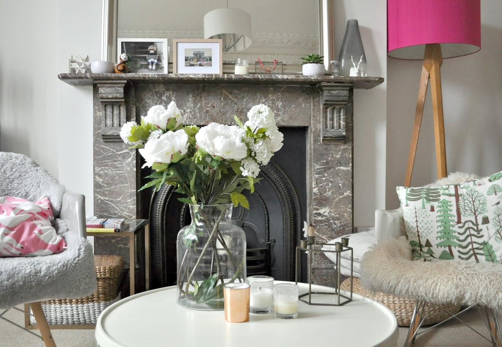 Искусственные цветы в интерьере: украшаем свое жилище